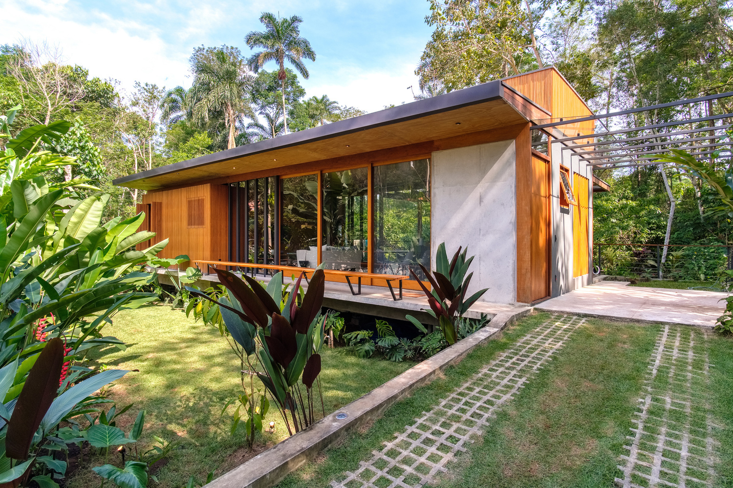 Sustainable Practices: 4 Projects with Innovative Solutions | ArchDaily