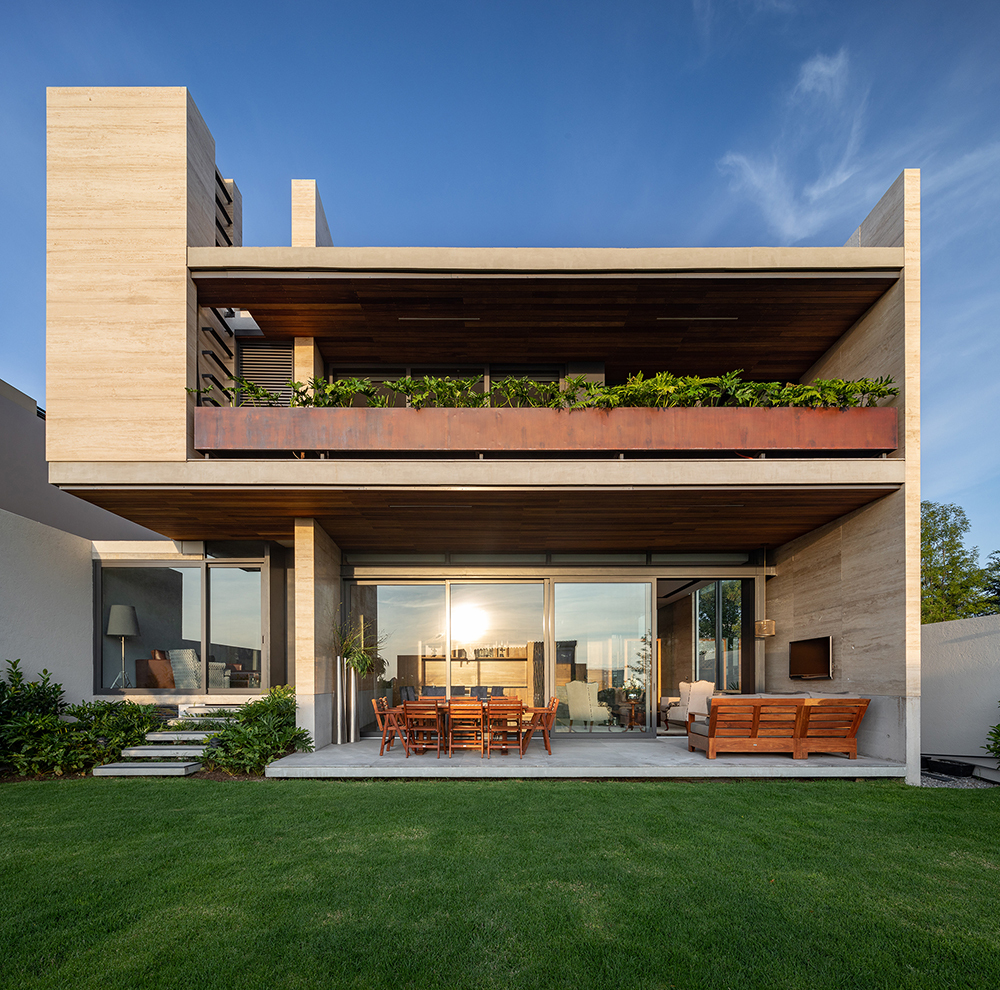 Gallery of House in Cumbres de Santa Fe / Landa Suberville - 1