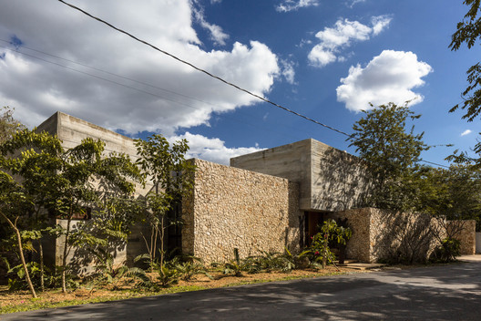 Workshop House / Muñoz Arquitectos Asociados