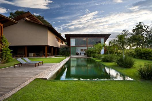 Casa Madeira  / Celso Laetano Arquitetura
