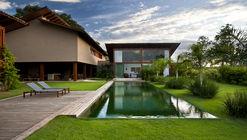 Casa Mangueira  / Celso Laetano Arquitetura