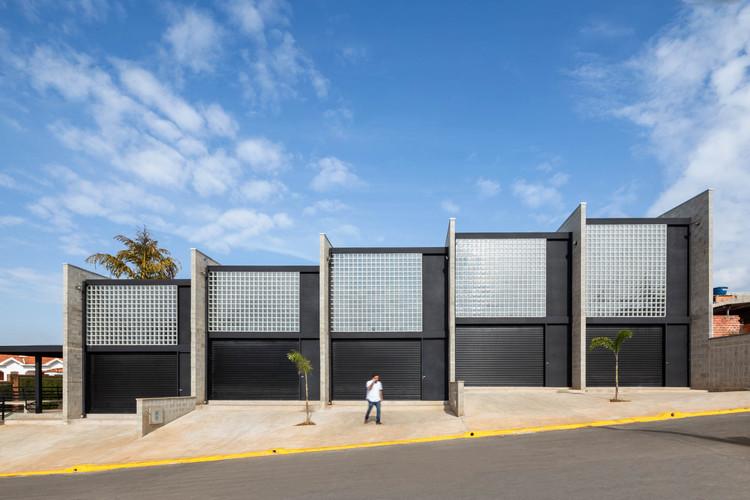 CL Warehouses / VAGA, © Pedro Napolitano Prata