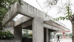 Estação de ônibus KNG / A+D Architectural Design & Constructions