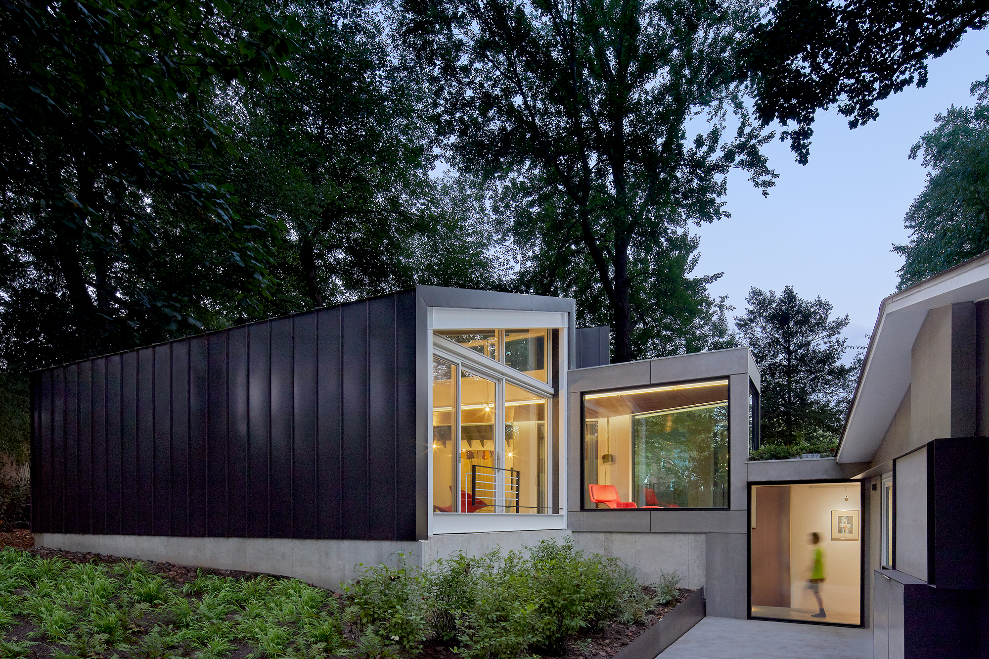 Gallery of Dual Modern House / KUBE architecture - 1