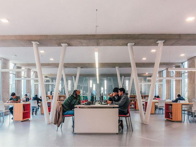 Conversación con Oscar González Moix en la XXI Bienal de Arquitectura de Chile
