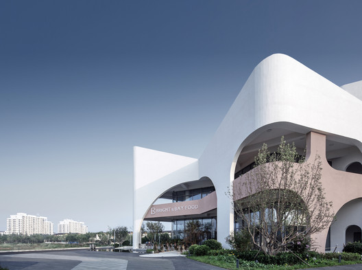 Bright & Bay Food / BENJAI Architectural Design