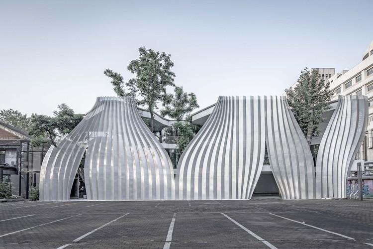 Centro de Arte IOMA / ARCHSTUDIO, Fachada. Imagem © Weiqi Jin