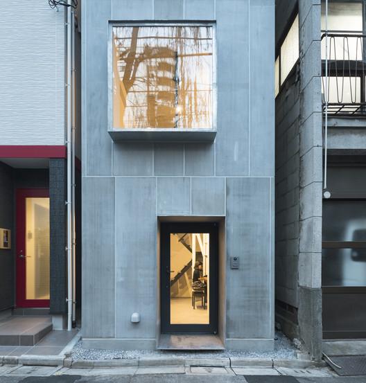 Casa compacta en Kuramae / Kawakubo Tomoyasu Architects & Associates