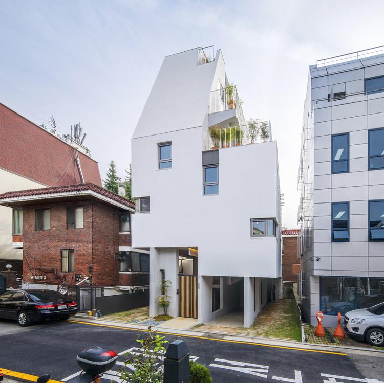 Stay_Soar Housing / studio_suspicion, © Edward R. Jr.