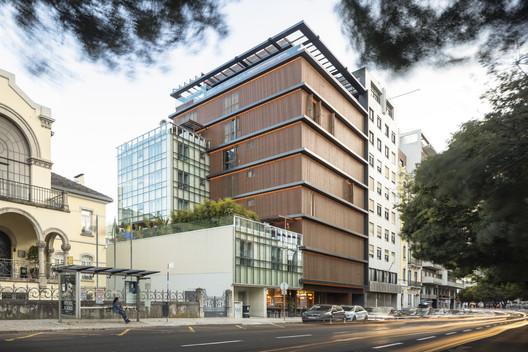Nouveau Lisbon Building / Sidney Quintela Architecture + Urban Planning