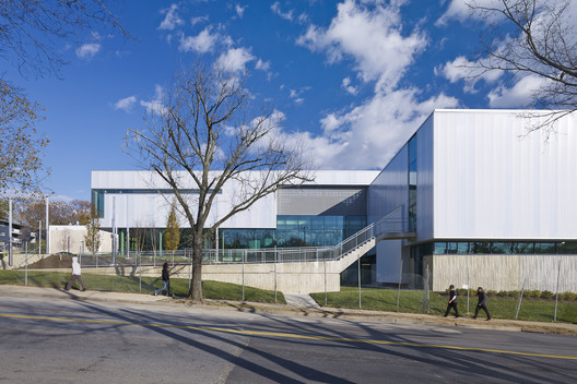 Academia Eagle / Shinberg.Levinas Architectural Design