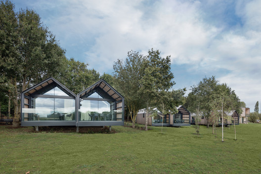 Feldon Valley Golf Club / Design Engine Architects