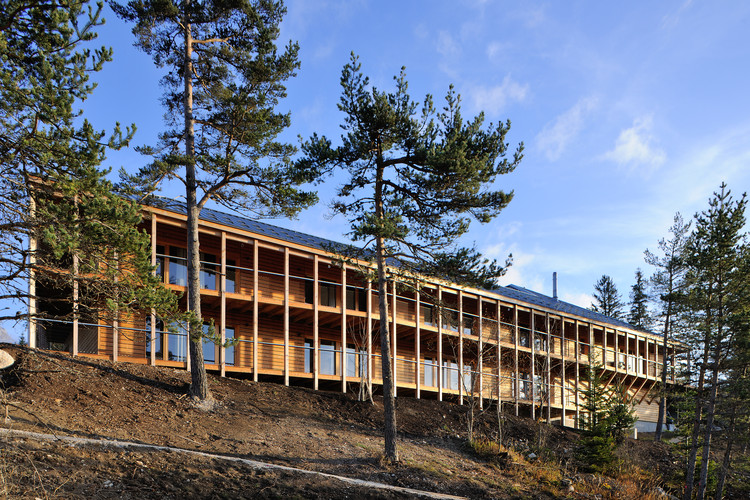 Mountain Hotel / Brenas Doucerain Architectes, © Studio Erick Saillet
