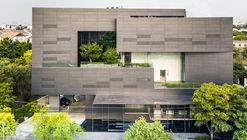 MacroCare Office / Stu/D/O Architects