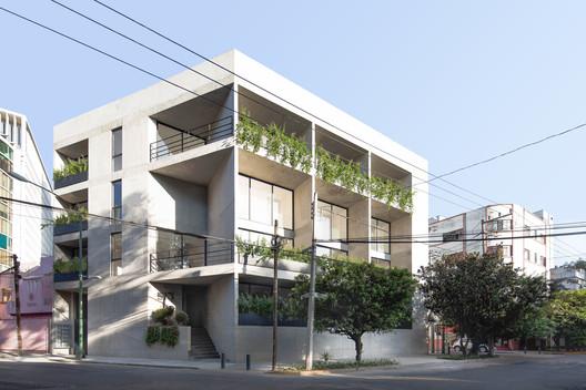 Edificio Magdalena / HERNANDEZDELAGARZA