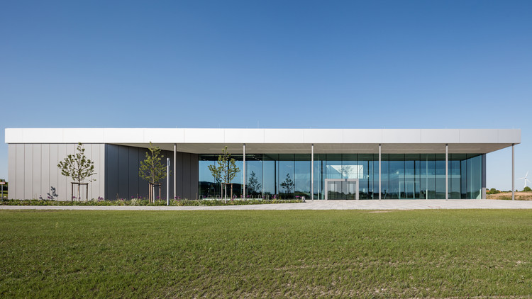 Production Plant 4.0 / Neugebauer + Roesch Architekten, © Till Schuster