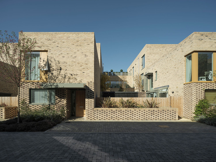 Abode at Great Kneighton Housing / Proctor and Matthews Architects, © Tim Crocker