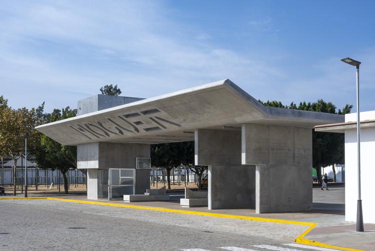 Ponto de ônibus Porta de Moguer / Ahaus arquitectos, © Jesús Granada
