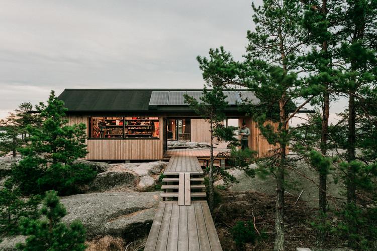 Proyecto cabina Ö / Aleksi Hautamäki, © Marc Goodwin