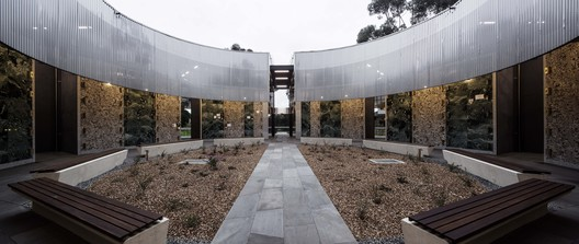 Atrium of Holy Angels Mausoleum / Harmer Architecture