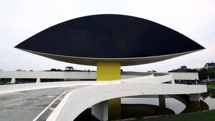 Oscar Niemeyer Museum hosts the Curitiba International Biennial of Contemporary Art, Photographer: Greg Bannan