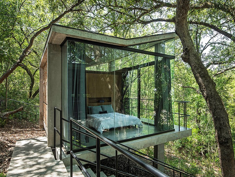 Casa en el bosque / WEYES Estudio, © The Raws