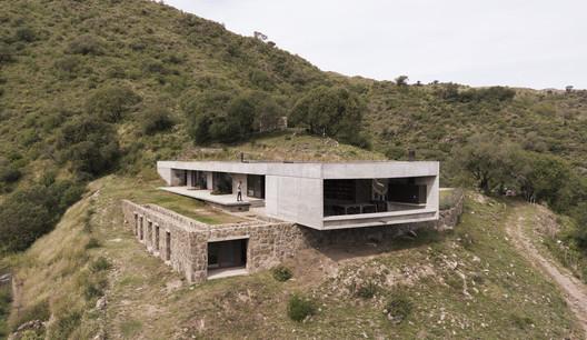 FM House / alarciaferrer arquitectos