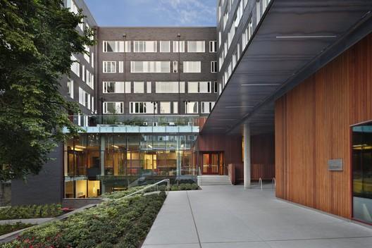 Mahlum Architects' University of Washington West Campus Student Housing. Image © Benjamin Benschneider