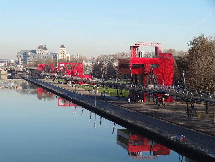 Arquitetura errante: 4 projetos que abraçam o erro (para o bem e para o mal), Parc La Villette. Imagem: William Veerbeek on VisualHunt.com / CC BY-NC-SA