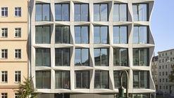 Edifício Comercial Greifswalder / Tchoban Voss Architekten