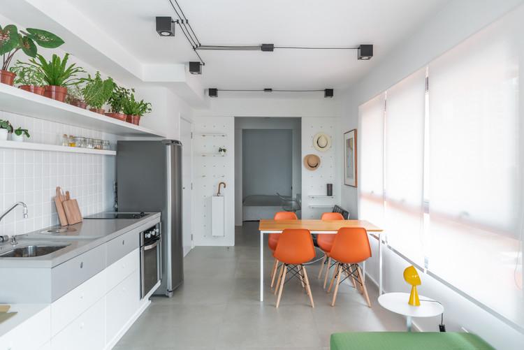 Apartamento 702 / CR2 Arquitetura, © Cris Farhat
