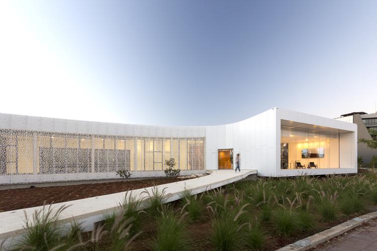 Galería Pafilia / Eraclis Papachristou Architects, © Aris Thanasis