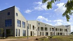 Edificio de administración y ciencias de la salud / Perkins and Will