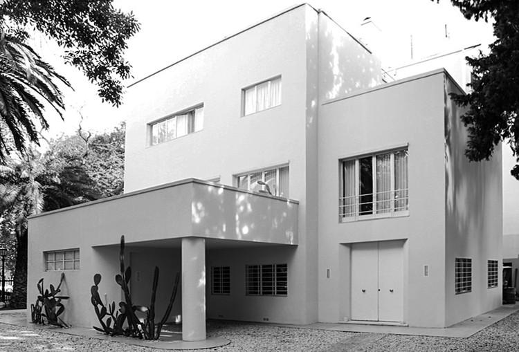 Casa Victoria Ocampo / Alejandro Bustillo . Image vía Fondo Nacional de las Artes Bajo Licencia CC BY 4.0