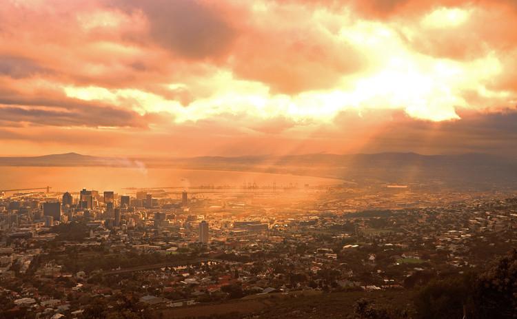 Why Africa is the Future of Megacities, Cape Town, South Africa. Image Courtesy of Shutterstock