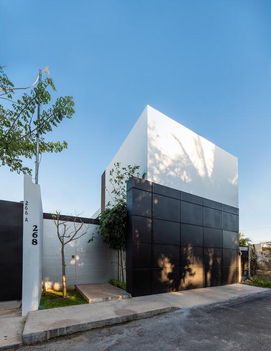 Trucus House / Gerardo Boyancé Ancona