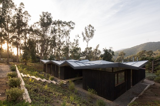 Origami House / Mas Fernandez Arquitectos + OR Arquitectos
