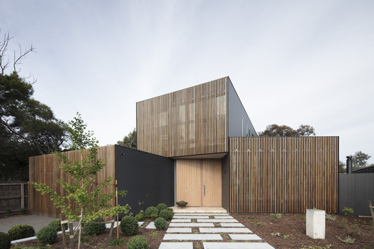 Seachange House  / Solomon Troup Architects