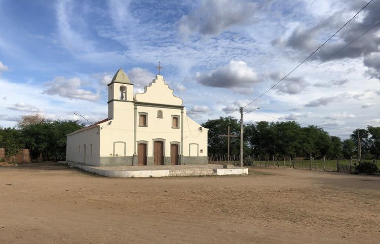 As arquiteturas do Rio São Francisco: um diário de viagem, Igreja em Belém de São Francisco, Pernambuco. Foto de Oliver de Luccia, 2019