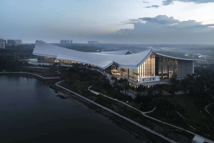 China Museum Of The South China Sea / Architectural Design Research Institute of SCUT, morning. Image © Changheng Zhan