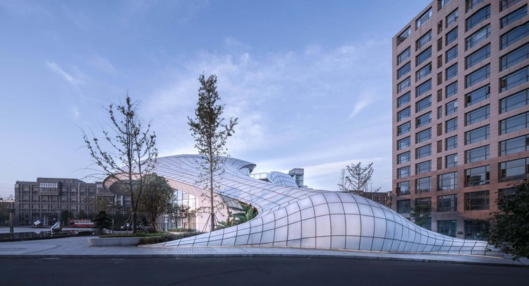 Innovation Hunan Conference Center / DXH Studio, perspective. Image © Yilong Zhao