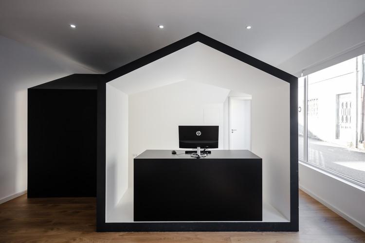A casa de quem faz casas / COVO Interiores, © João Morgado