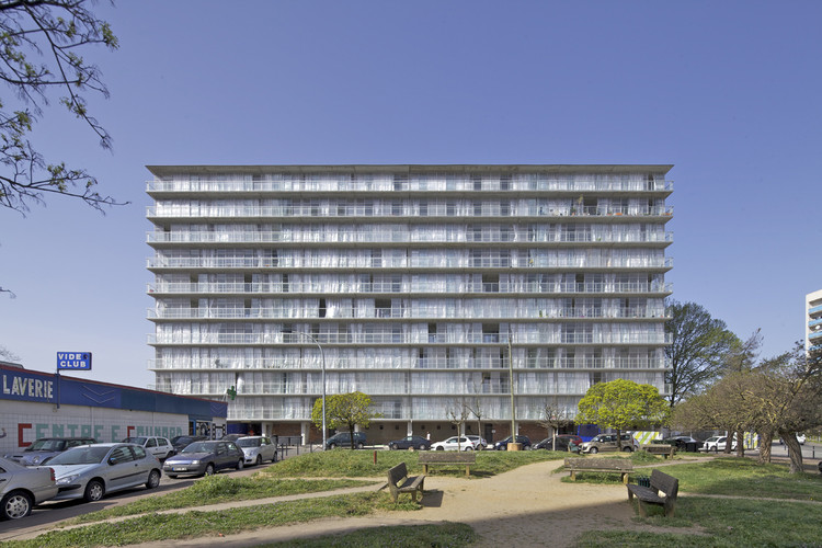 Transformation of 530 dwellings / Lacaton & Vassal + Frédéric Druot + Christophe Hutin architecture. Image © Philippe Ruault