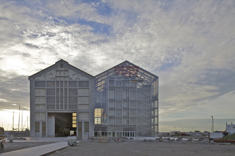Zero Waste in Architecture: Rethink, Reduce, Reuse and Recycle, FRAC Dunkerque / Lacaton & Vassal. Image © Philippe Ruault