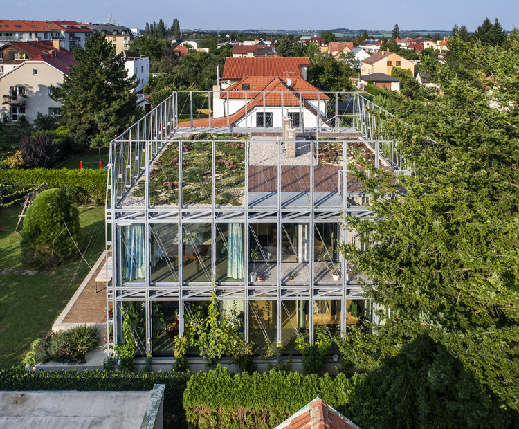 Residência em um espartilho de aço / ŠÉPKA ARCHITEKTI, © Aleš Jungmann