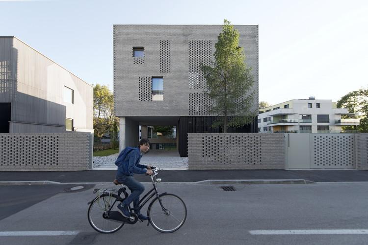 Casa escalonada / OFIS Architects, © Tomaz Gregoric