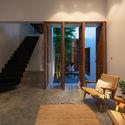 8x24 9 - 8x24 House / AHL architects: Được tạo ra bằng cách sắp xếp 4 khối chức năng
