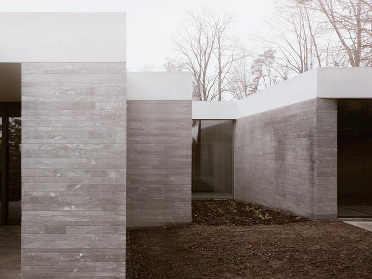 Casa en un parque / Think Architecture, © Simone Bossi