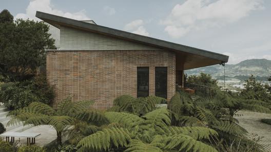 C79 House / Base taller