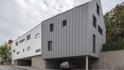 Casas de tres hileras / Martin Cenek Architecture